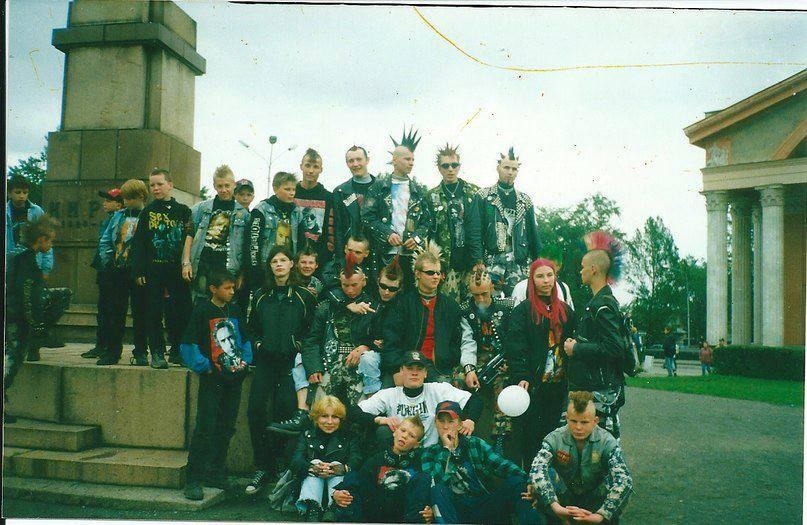 Петрозаводские панки всех возрастов. Центр города, 90-е.